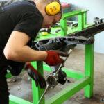 montaż wahacza z łożyskami - FranceAutoService